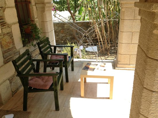 Old Datca Houses Mini Hotel: Oda önü keyif alanı