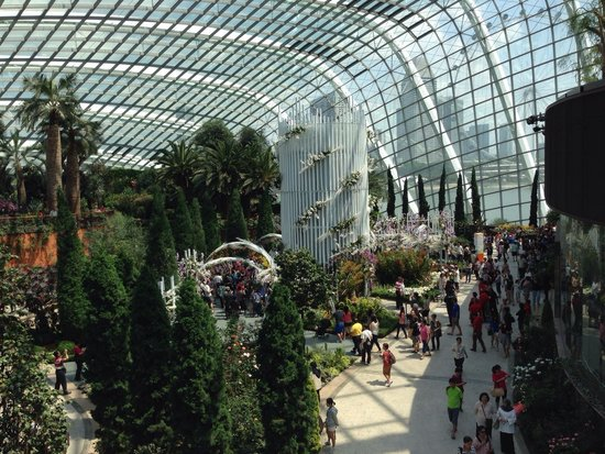 Gardens by the Bay: Impressive ceiling and spacious.