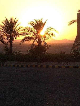 Three Corners Fayrouz Plaza Beach Resort : tramonto sul deserto