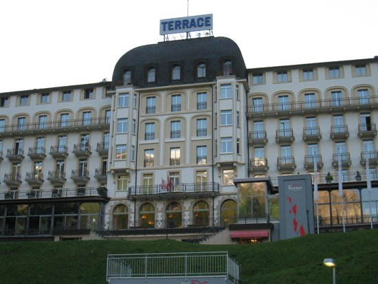 Hotel Terrace: Front view of the hotel