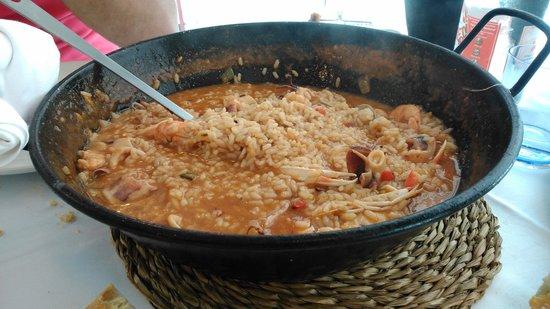 Restaurante Luzmela: un arroz de marico buenisimo,q da para dos y para tres!!! q viene bastante,lo recomiendo,buena c