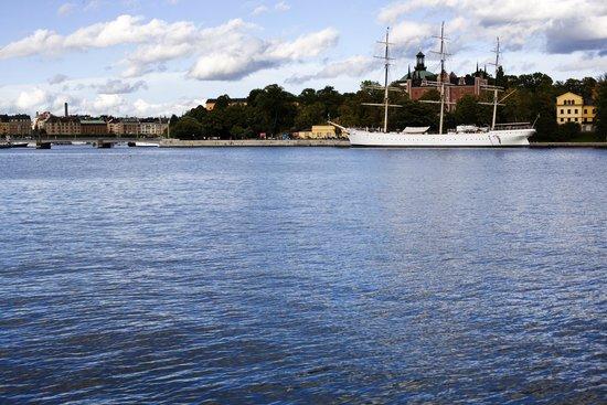 Loch & Quay