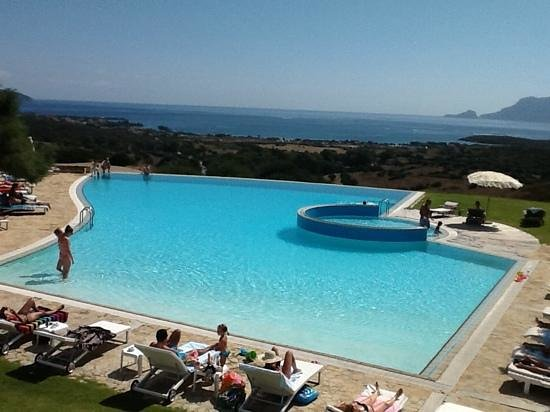 Hotel Luna Lughente : View from excellent bar across the pool and med