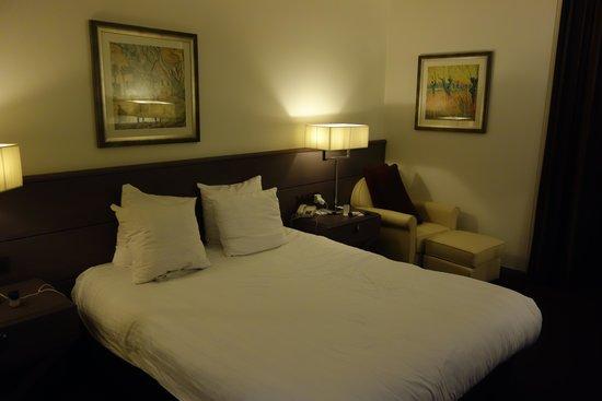Wyndham Apollo: Big comfortable double bed