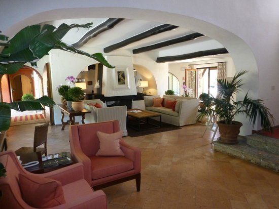 Hotel Il Pellicano : Warm, chilled lobby.. very relaxing