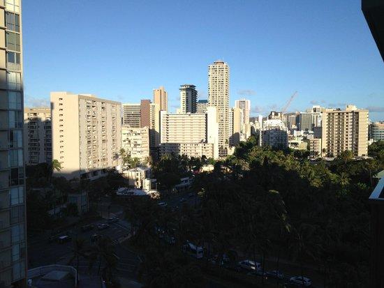 DoubleTree by Hilton Alana - Waikiki Beach: Doubletree Room View