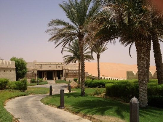 Qasr Al Sarab Desert Resort by Anantara: Private Pool Villa from outside