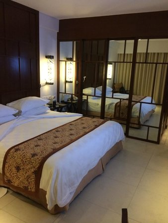 Padma Resort Legian: lovely bedroom