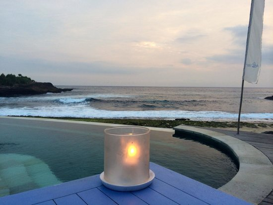 Sandy Bay Beach Club Lembongan : Candlelit dinner with lovely views of the ocean