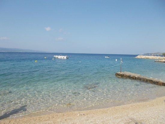 Villa MiraMar: Spiaggia sotto all'albergo