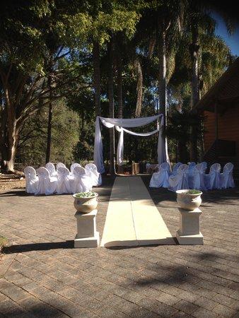 Paradise Palms: Outdoor Weddings