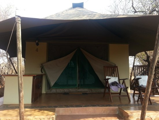 White Elephant Safari Lodge: Luxury tent