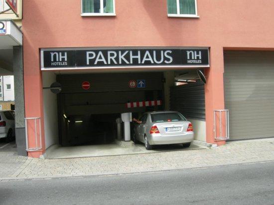 NH Collection Nurnberg City: l'accesso al parcheggio interrato