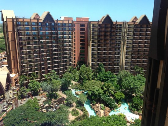 Aulani, a Disney Resort & Spa: 16Fロビーから