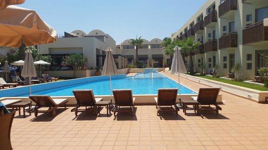 Santa Marina Plaza: Ready for swimming