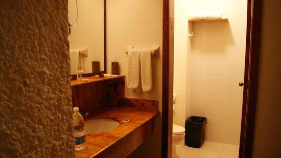 Hotel Ciudad Real Palenque: bagno