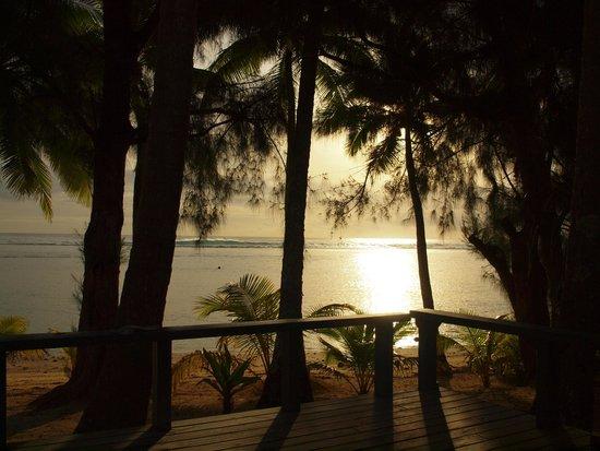 Sunhaven Beach Bungalows: sunset from the verandah