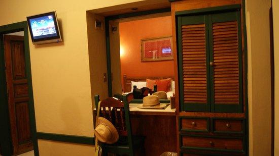 Hotel Ciudad Real Centro Historico: armadio