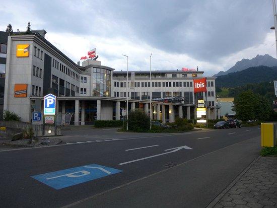 ibis Luzern Kriens: Aussenansicht Hotel IBIS Kriens