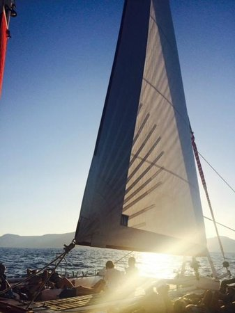 Sunset Oia Sailing Cruises: Sailing boat