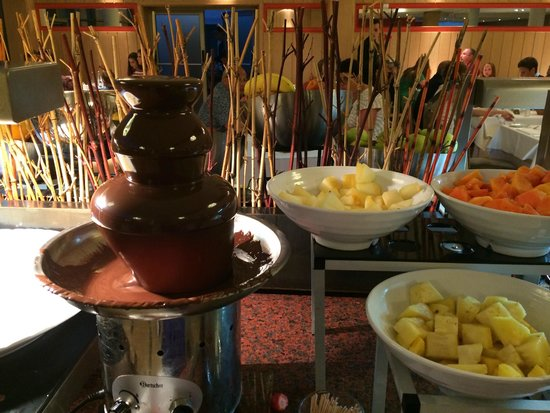 Protur Biomar Gran Hotel & Spa : Chocolate fountain!
