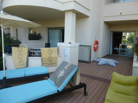 Protur Biomar Gran Hotel & Spa : Terrace at swim up room