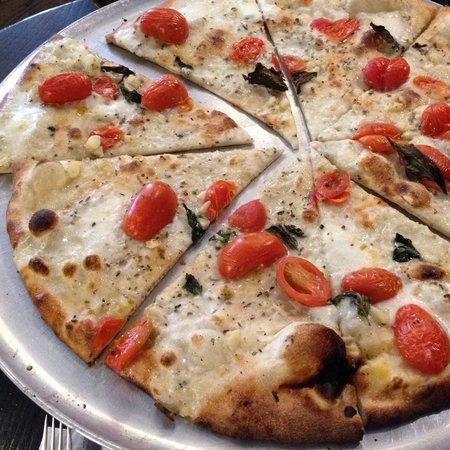 Juliana's Pizza : Very good pizza