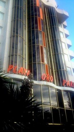 Ohtels Playa de Oro : вход в отель с улицы