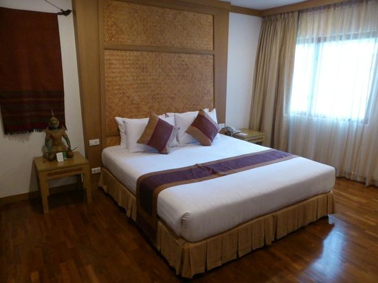 The Tarntawan Hotel Surawong Bangkok : ベッド