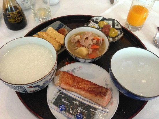 The Tarntawan Hotel Surawong Bangkok : 日本食のモーニング