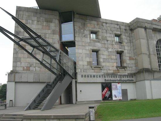 Centro de Documentación sobre la Historia de los Congresos del Partido Nazi: L'ingresso del Museo