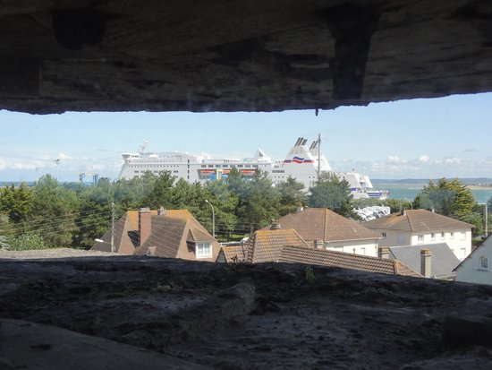 Le Grand Bunker Musee du Mur de l'Atlantique : View from the top to the ferry