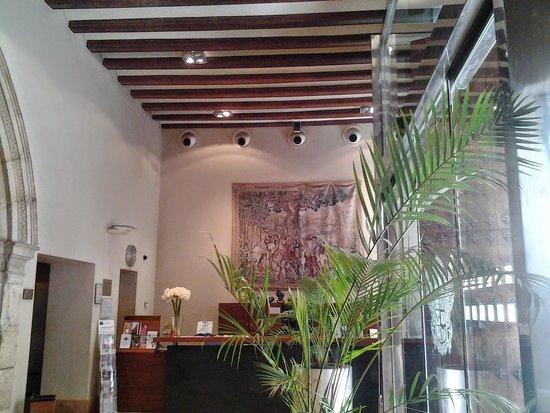 Palacio de Tudemir Boutique Hotel: escalera