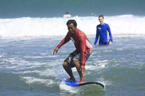 UP2U Surf School Bali: Surf lessons UP2U Surf School Kuta Beach, Bali