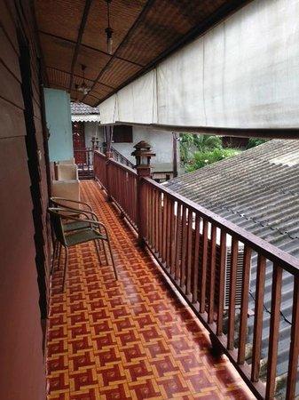 Buri Gallery House: vista dalla porta della camera