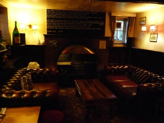 Bottlesford, UK: Cosy fireplace