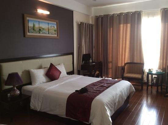 chambre de luxe ! - Picture of Hue Serene Palace Hotel, Hue ...