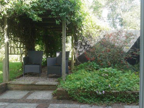 Crossways Hotel: garden view