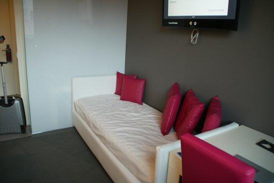 Smart Hotel: Habitación. Sofá
