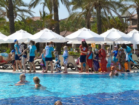 Club Calimera Serra Palace: Modenschau vom Kinderclub.