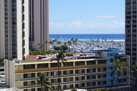 Ala Moana Hotel: View to southeast - Ala Moana Yacht Harbor
