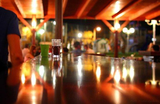Kiani Beach Resort: Bar Dionisos