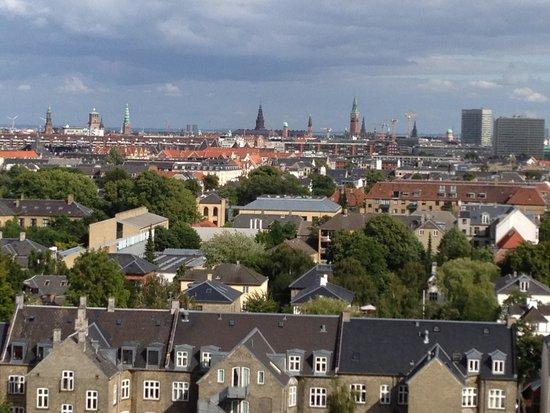 Radisson Blu Falconer Hotel & Conference Center: Udsigten fra hotellet udover København
