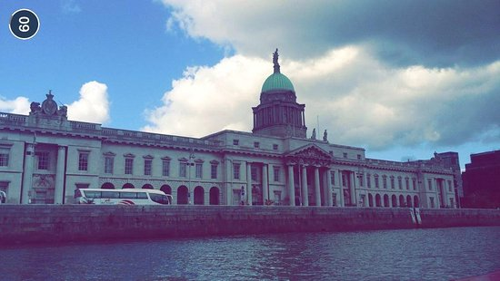 Dublin Discovered Boat Tours: Liffey tours