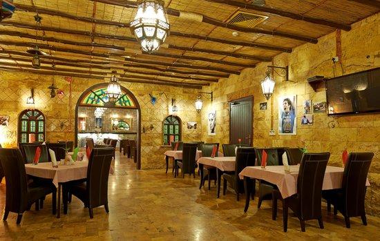 Al Safa Royal Suites Luxury Apartment Hotel: Restaurant & Breakfast Room