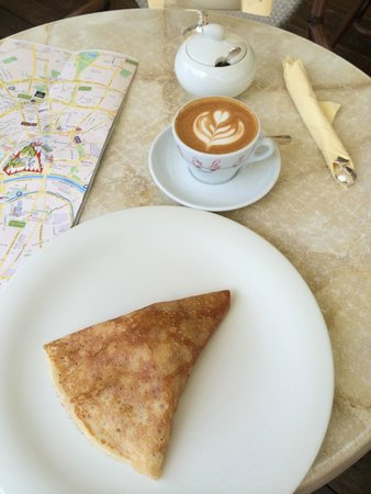 Coffeemania: Cappucino + Blini au cottage cheese....délicieux !