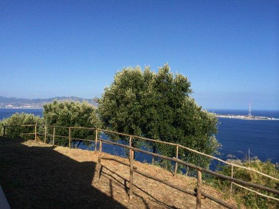 Blu Infinito B&B: paesaggio Mediterraneo