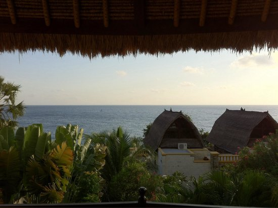 Onlyou Villas: Vue de la chambre villa A au lever du soleil.