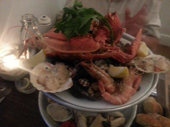 Falmouth Bay Seafood Café : seafood platter