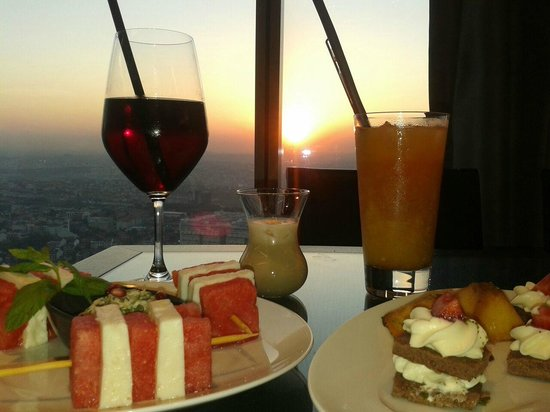 Hilton Istanbul Bomonti Hotel & Conference Center: Executive Lounge 34th Floor :)